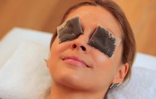 Cara menghilangkan kantung mata dengan ampas teh